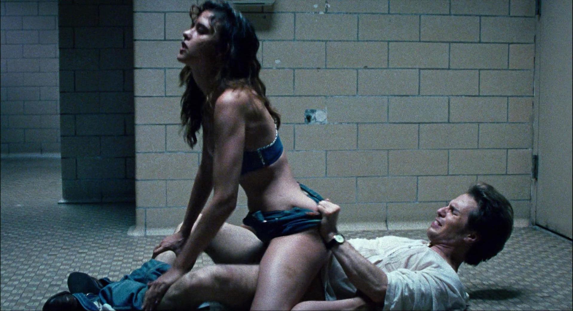 Paz de la Huerta nude - Choke (2008)