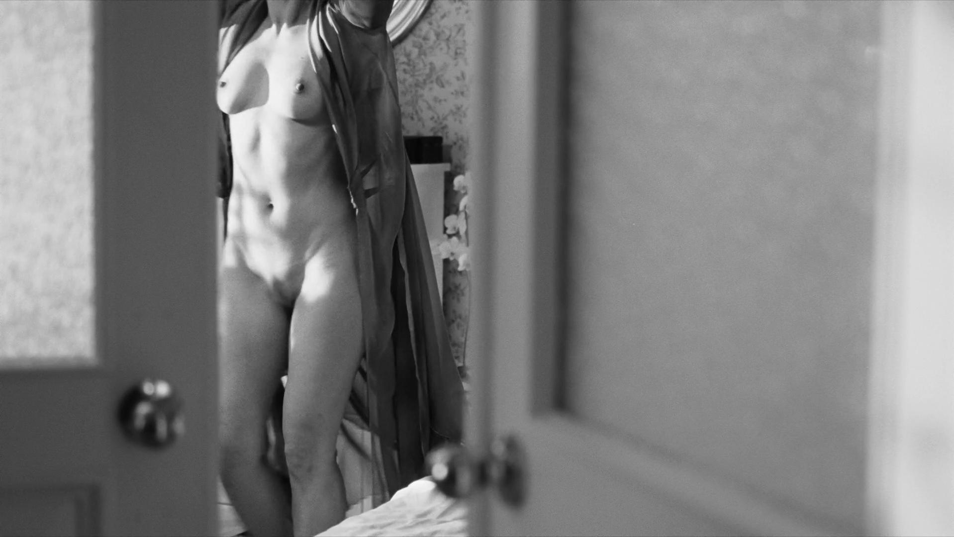 Yuliya Peresild nude - Weekend (2014)