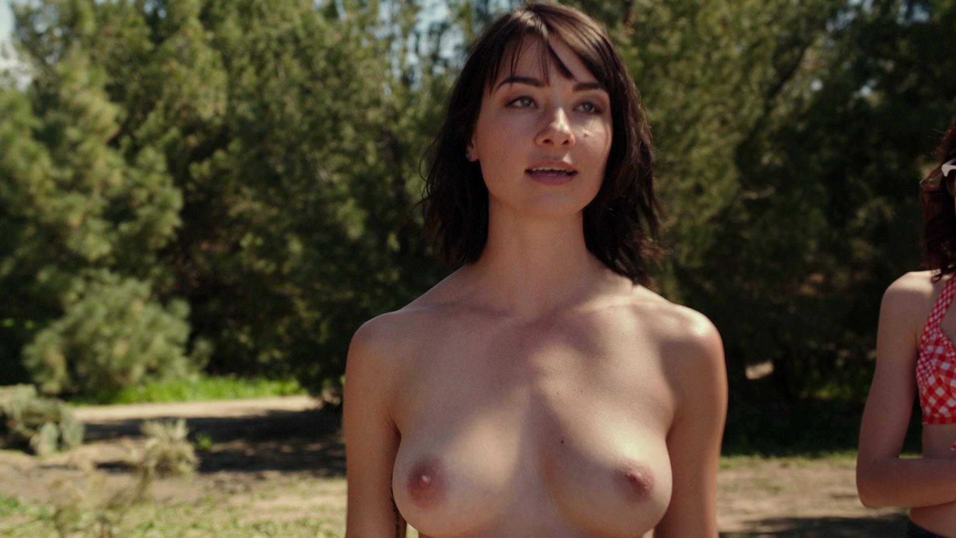 Cortney Palm nude, Lexi Atkins sexy, Rachel Melvin sexy - Zombeavers (2014)