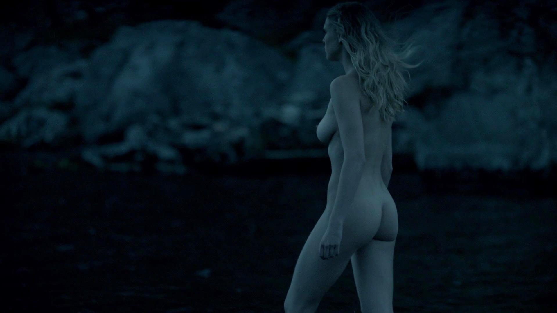 nude swimming gala