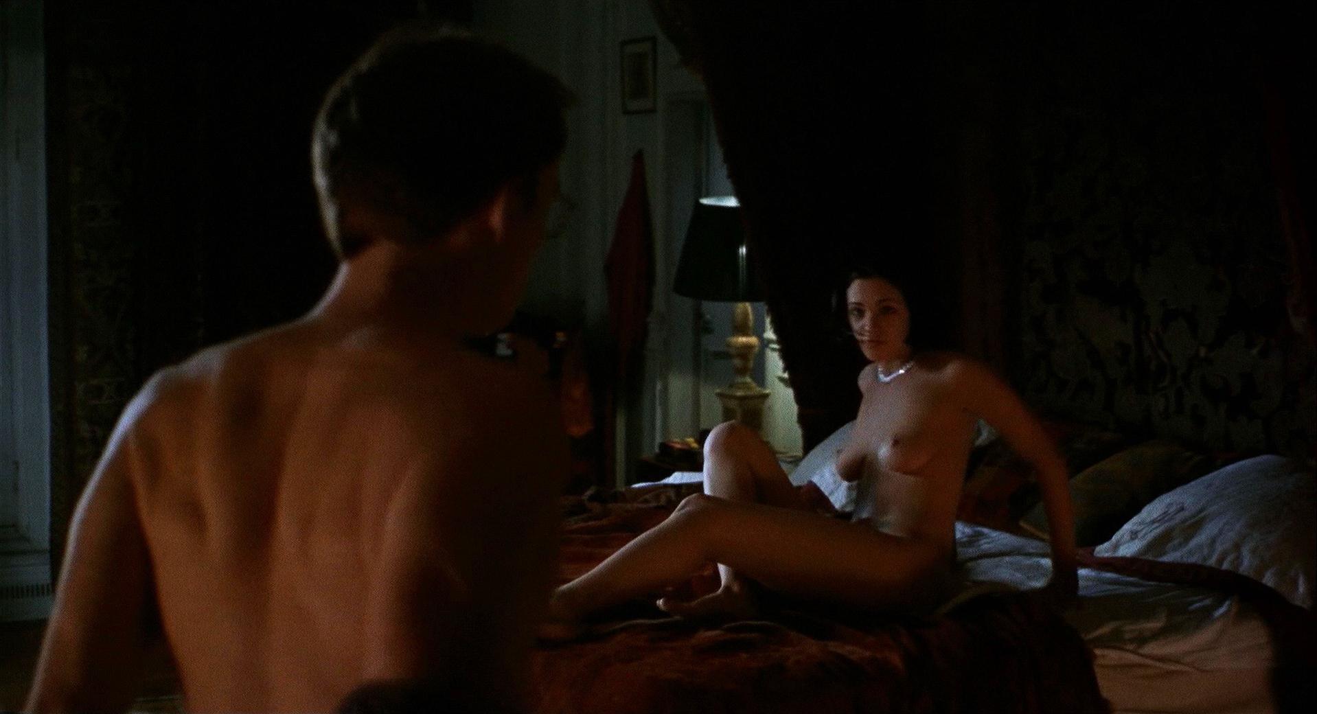 Reba mcintyre nude pics