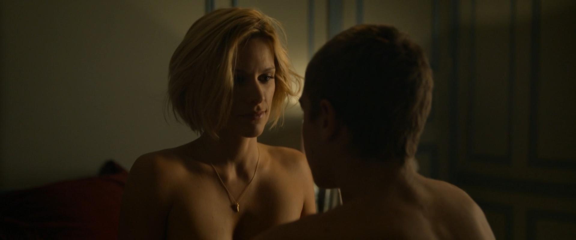 Veerle Baetens nude - Un debut prometteur (2015)