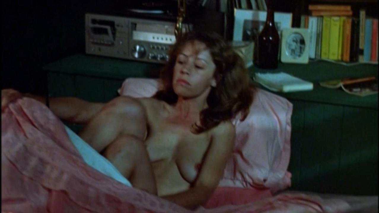 Noni Hazlehurst nude - Monkey Grip (1982)