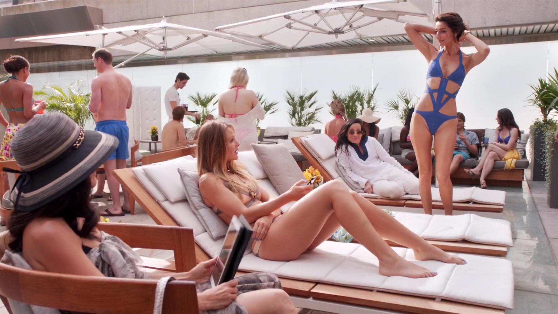 Beau Garrett sexy, Necar Zadegan sexy - Girlfriends' Guide to Divorce s01e01-07 (2014)