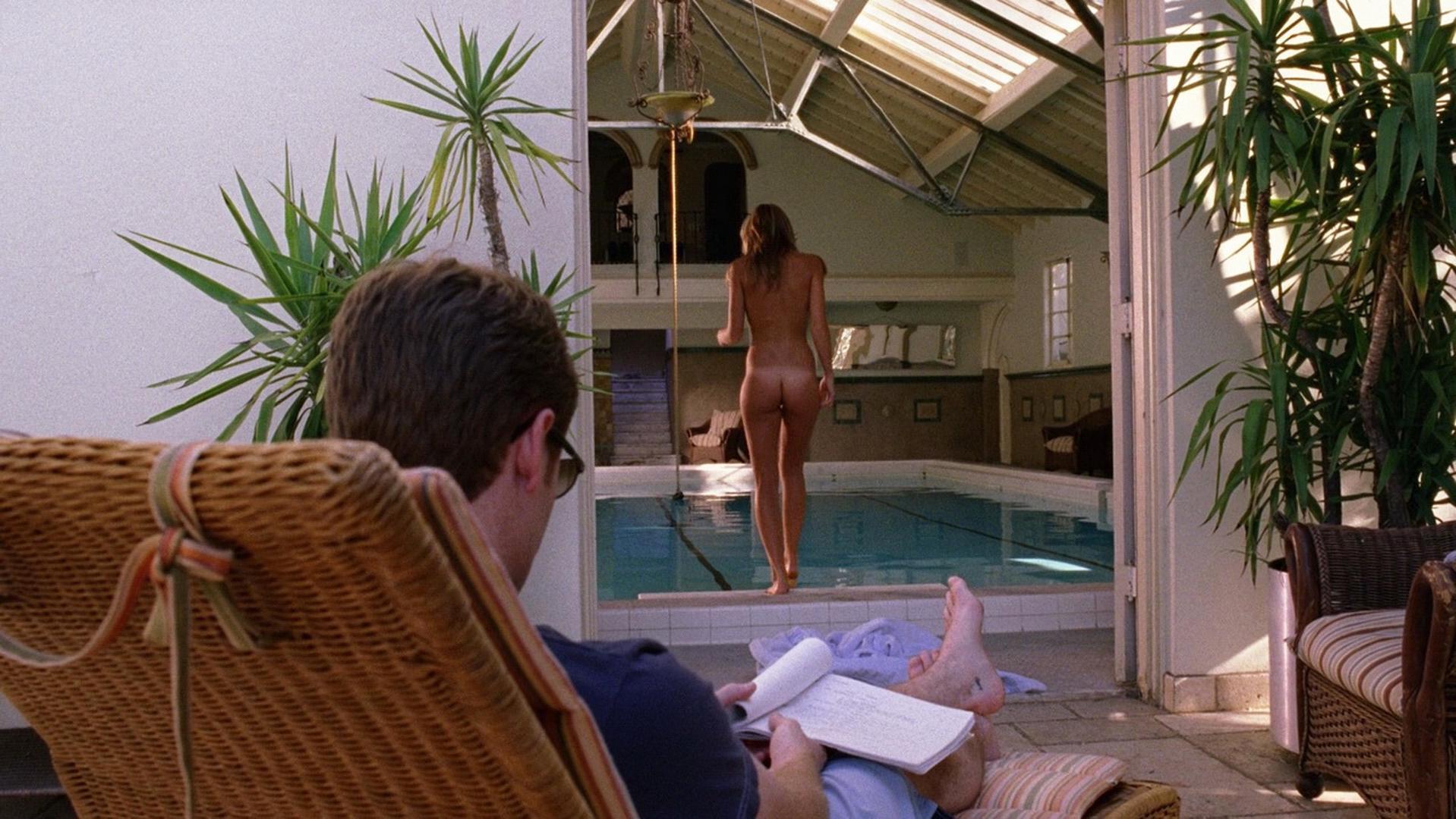 Beau Garrett nude - Entourage s01e05 (2004)