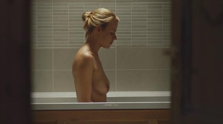 Aleksandra Rebenok nude - Do Svidaniya Mama (2014)