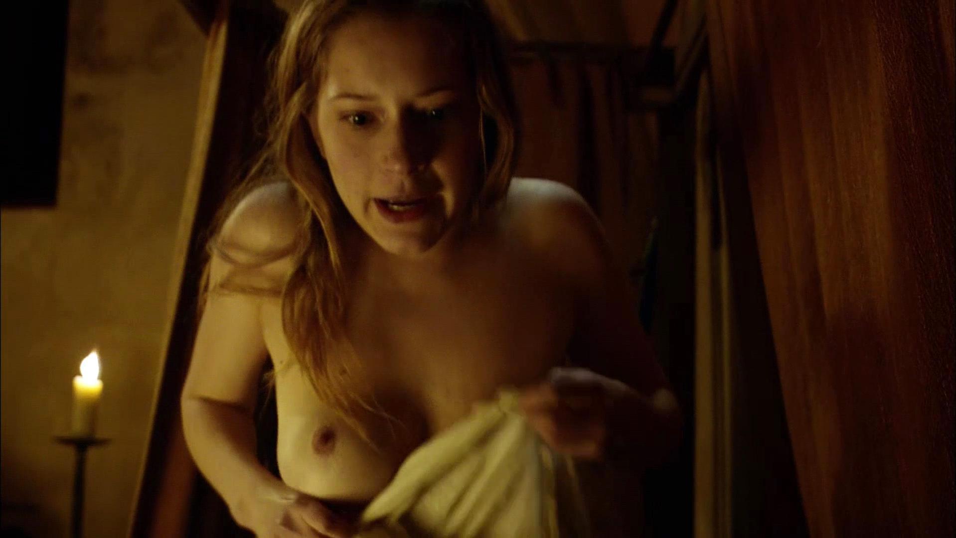 Ophelia Kolb nude - La Commanderie s01e01 (2010)
