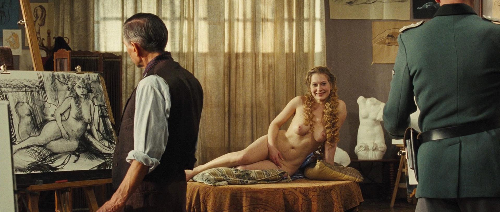 Ophelia Kolb nude - Gainsbourg (2010)