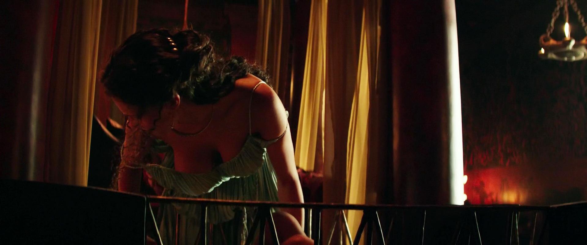 Irina Shayk nude, Karolina Szymczak sexy - Hercules (2014)