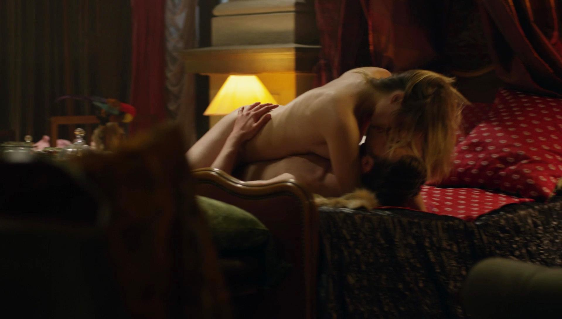 Aqueela Zoll nude - Wrong Turn 6 (2014)