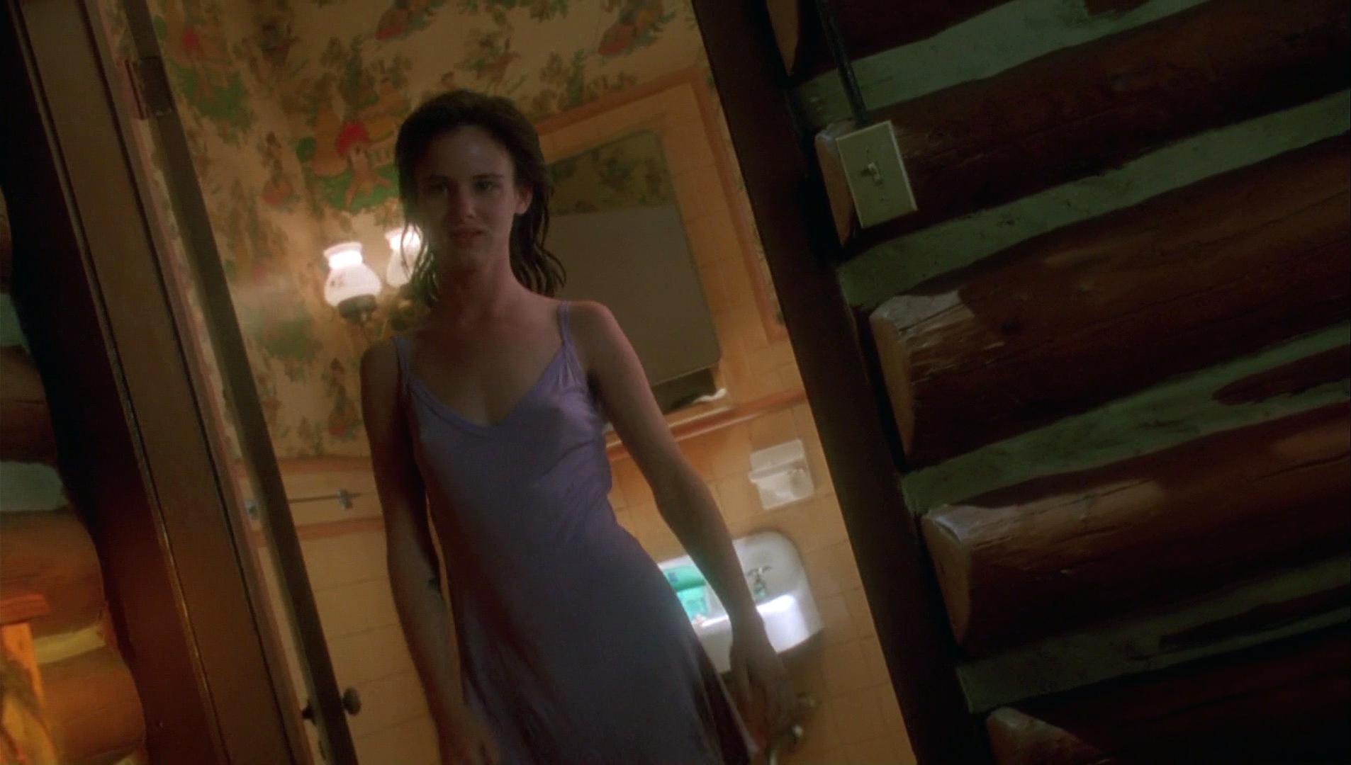 Juliette lewis nude boobs in strange days scandalplanetcom - 2 part 7