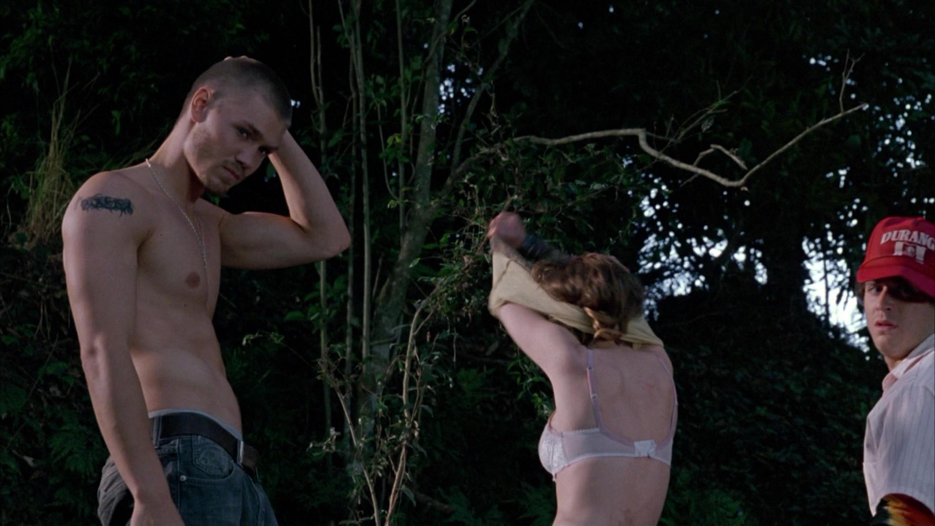 Elisha Cuthbert sexy - House of Wax (2005)