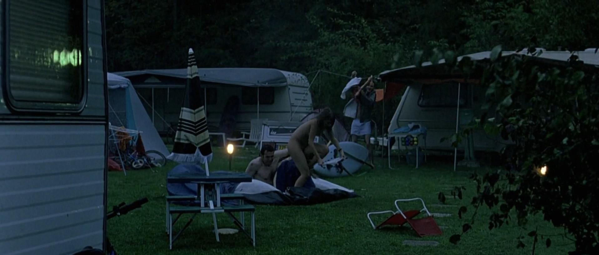 Melanie Laurent nude - Je vais bien, ne t'en fais pas (2006)