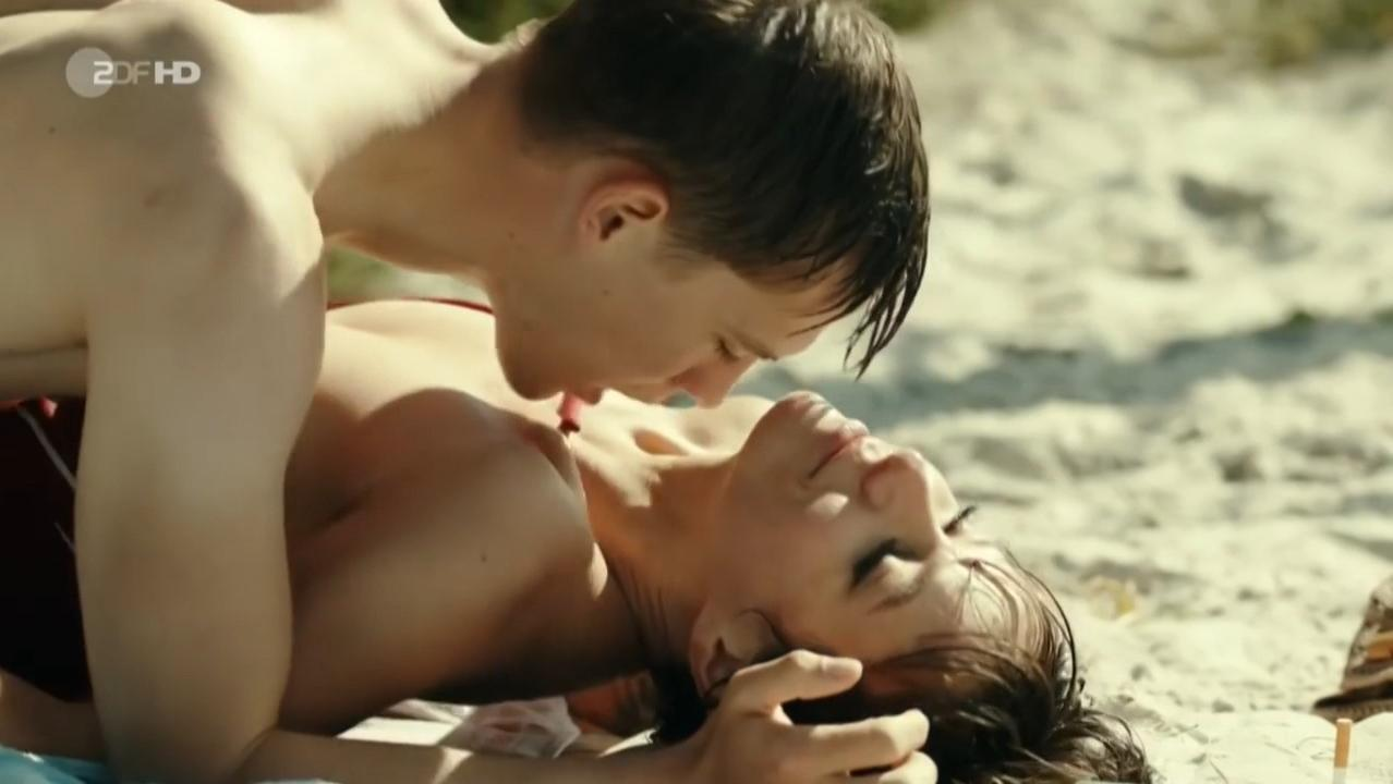 Julia Koschitz Sex