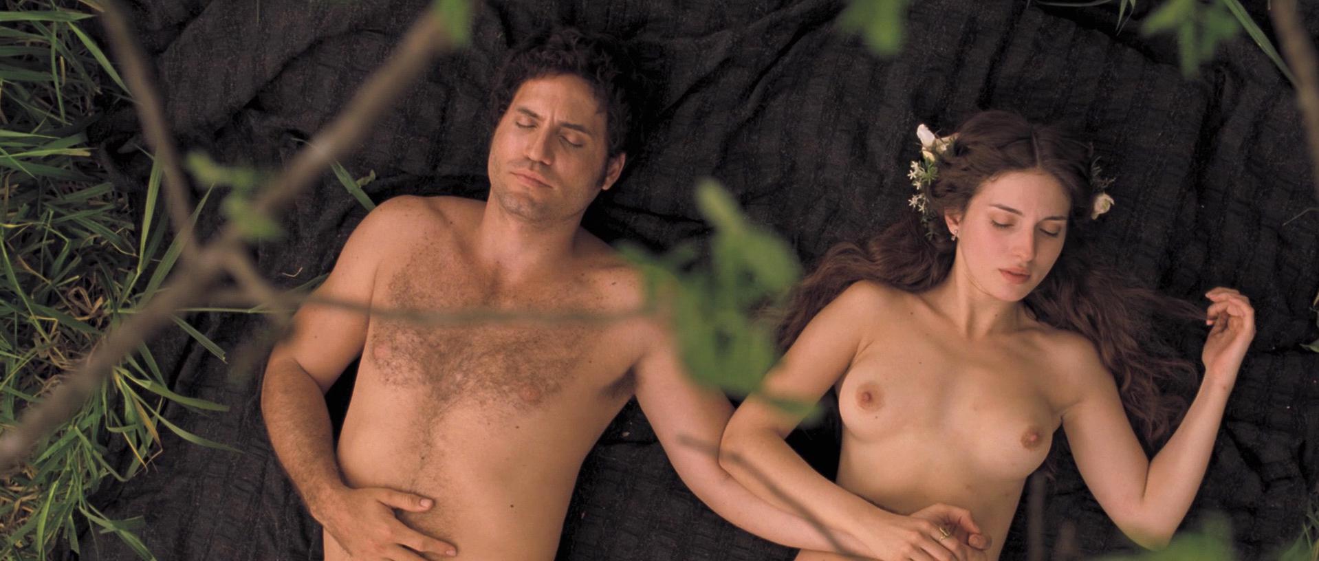 Maria Valverde nude - Libertador (2013)