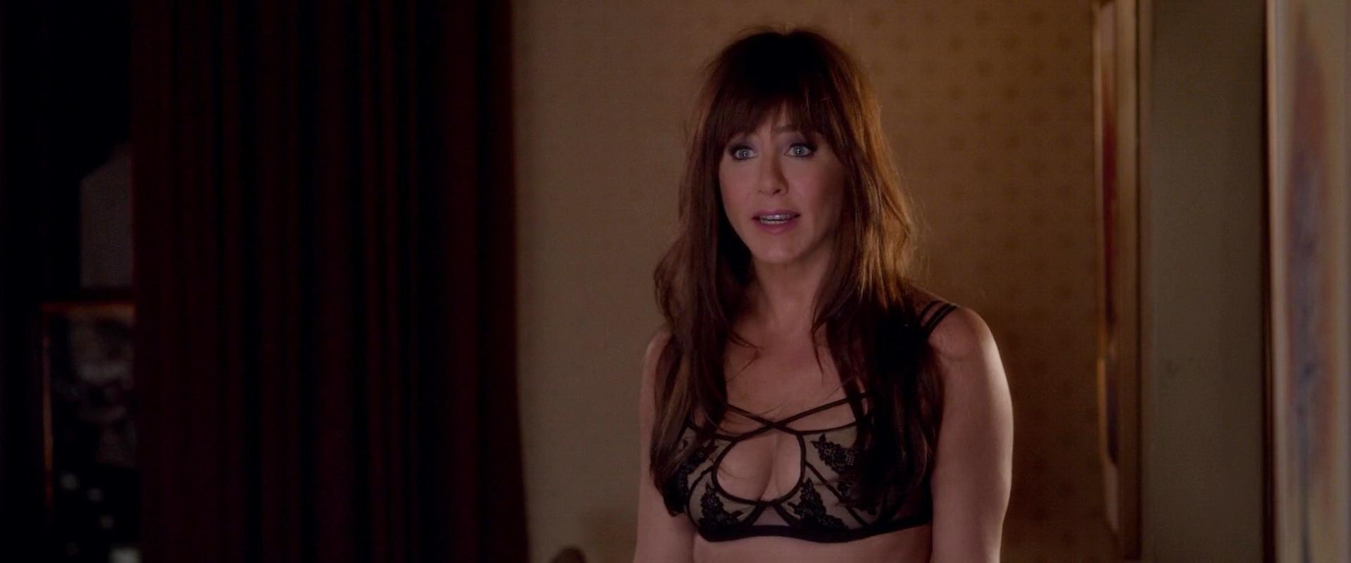 Jennifer Aniston nude - Horrible Bosses 2 (2014)