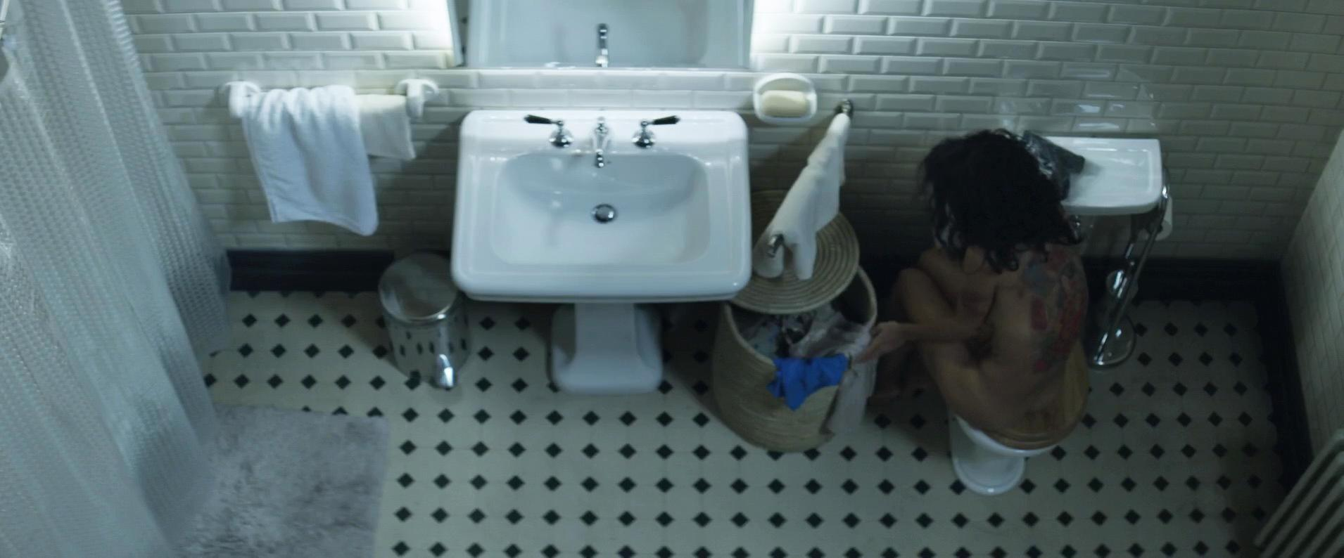 Salma Hayek nude - Everly (2014)