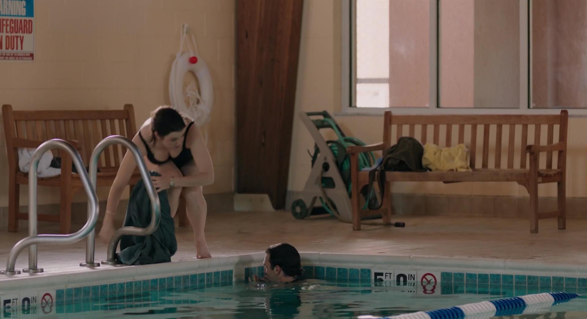 Melanie Lynskey sexy - Goodbye to All That (2014)