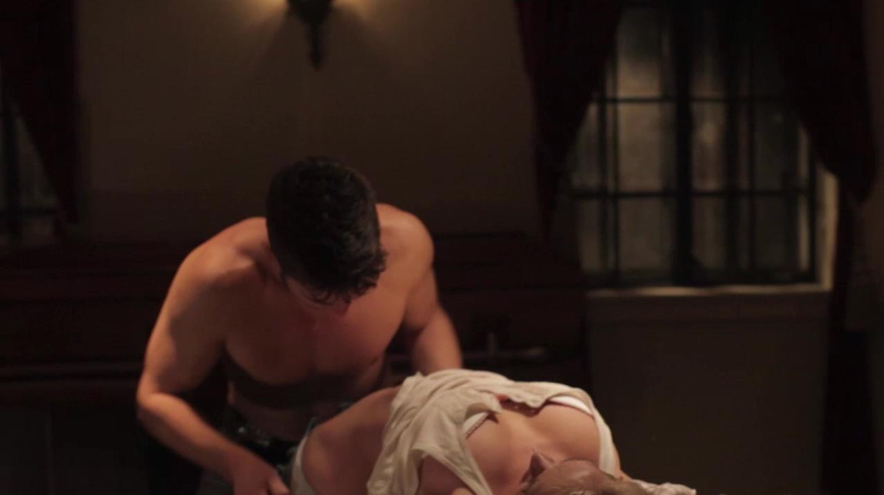 Cortney Palm nude, Devon Ogden sexy - Seance: The Summoning (2011)