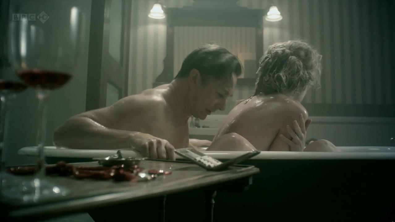 Rosamund pike stage nude — pic 10