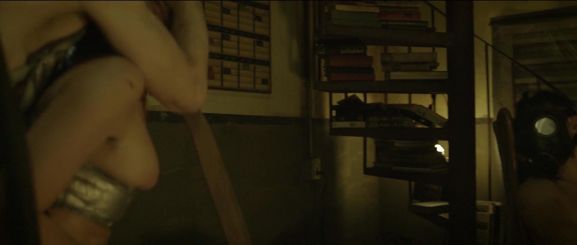 Rosanna Arquette sexy - The Divide (2011)
