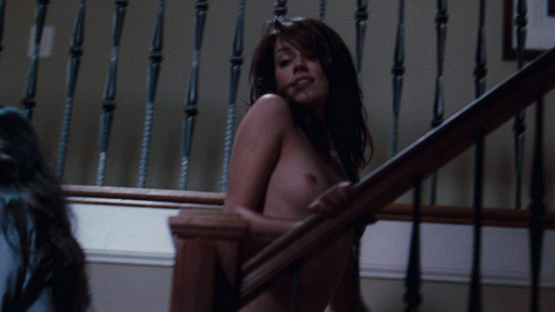 Amber Heard nude - The Joneses (2009)