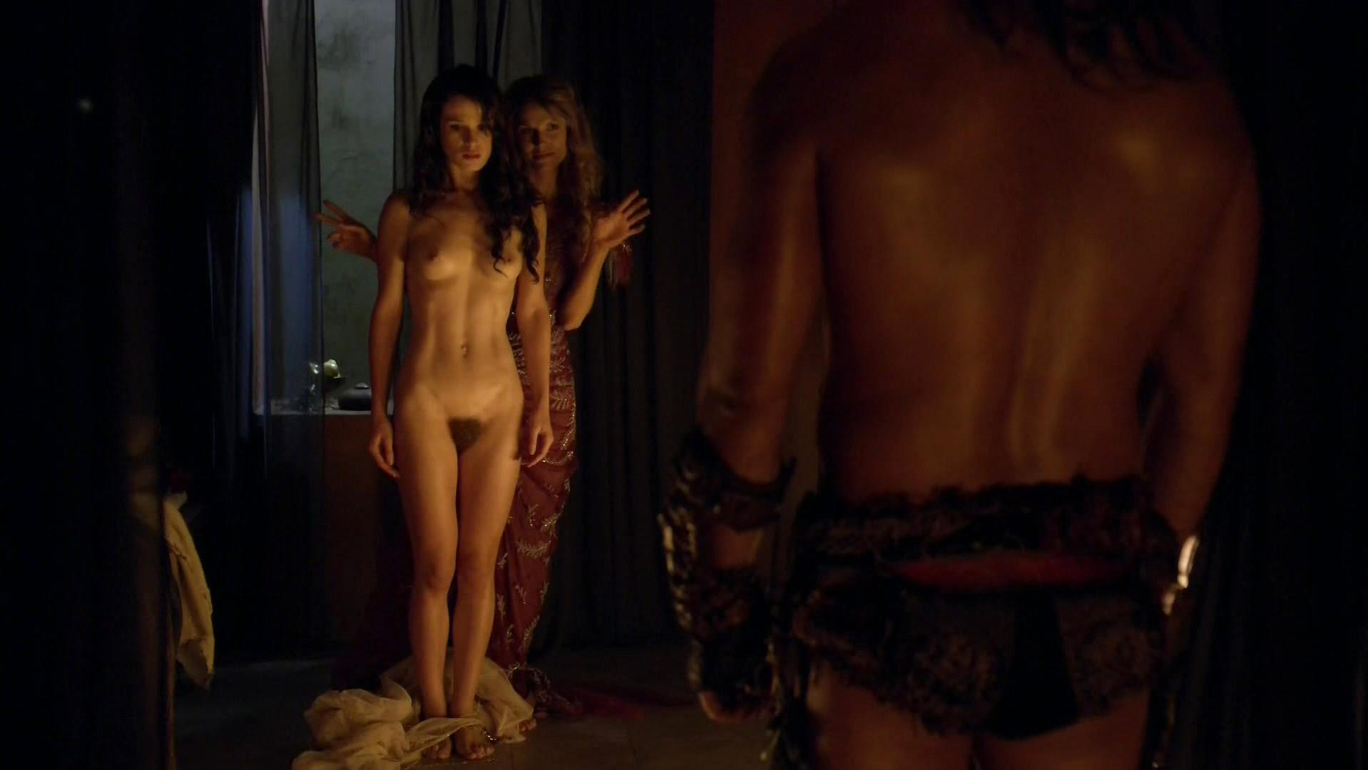 Ellen Hollman nude, Gwendoline Taylor nude - Spartacus s03e03 (2013)