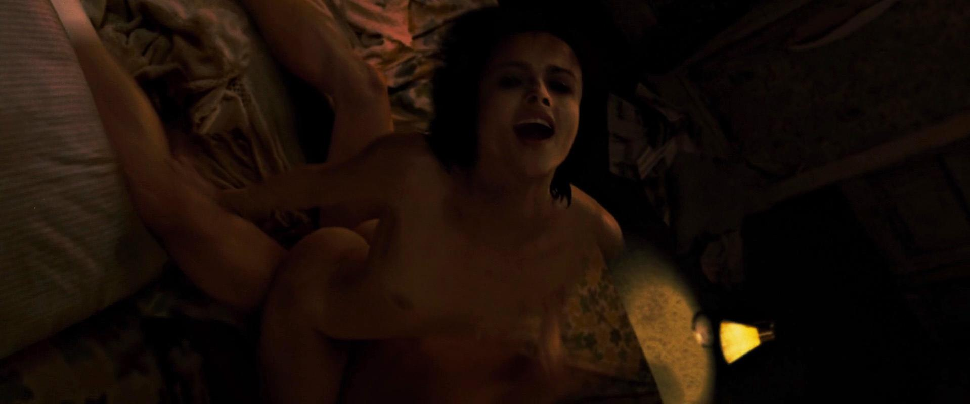 Helena Bonham Carter nude - Fight Club (1999)