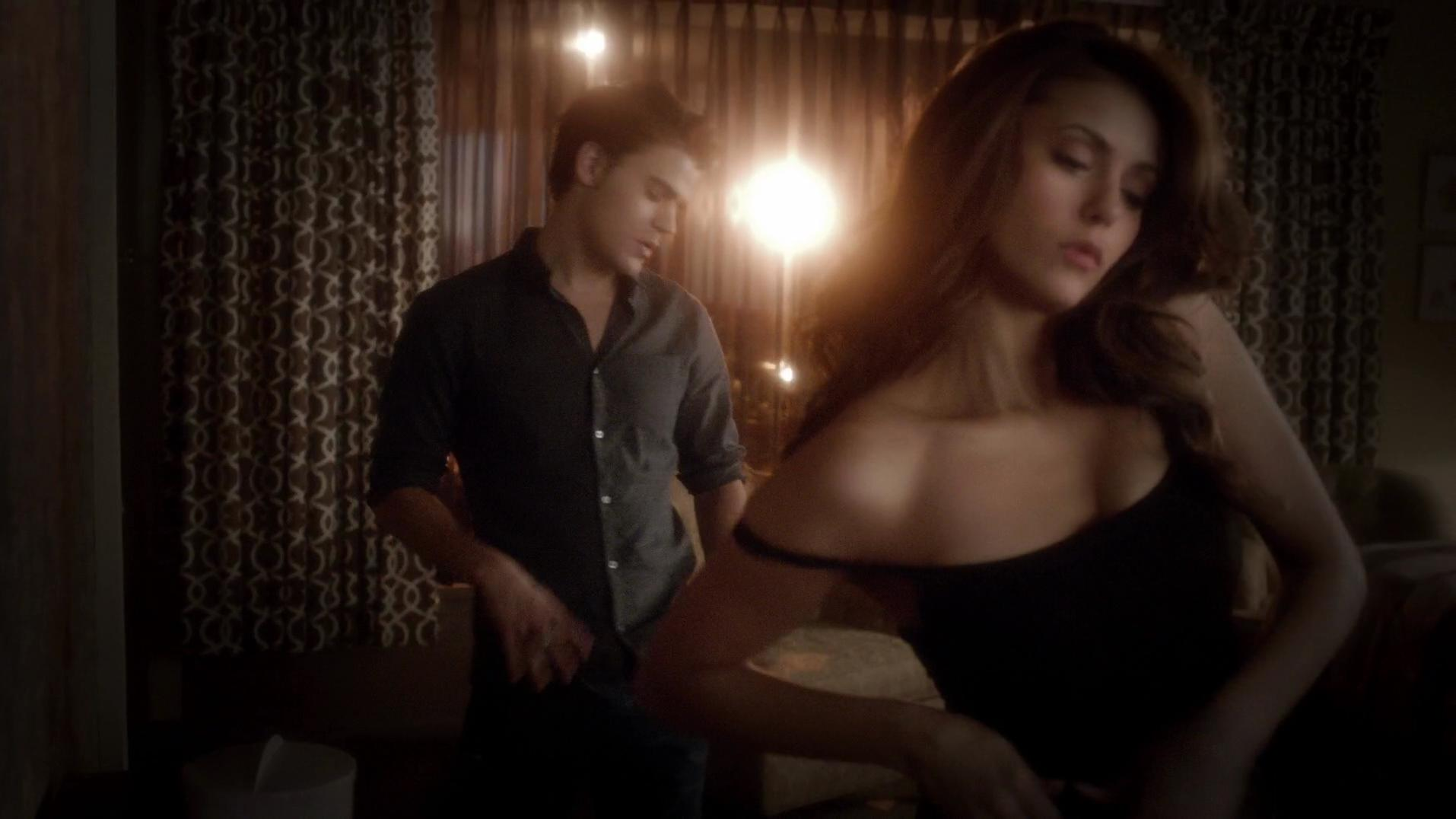 Nina Dobrev sexy - The Vampire Diaries s05e16 (2014)