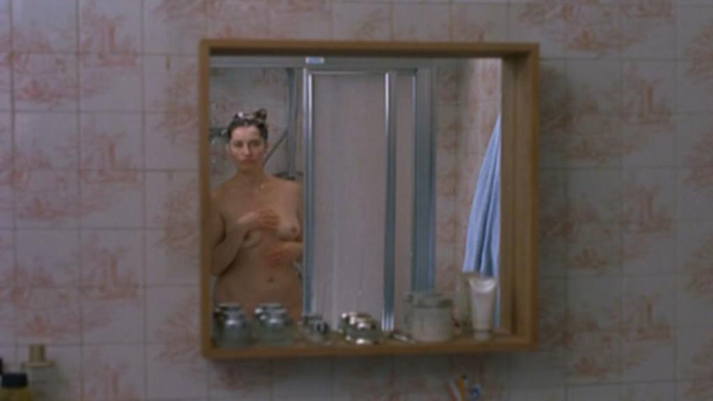 Emmanuelle Devos nude - Gentille (2005)