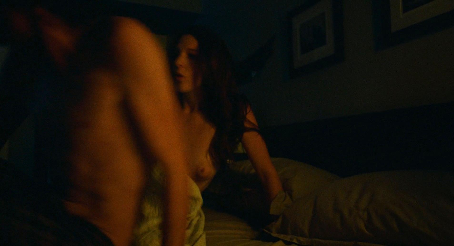 Aubrey Reynolds  nackt