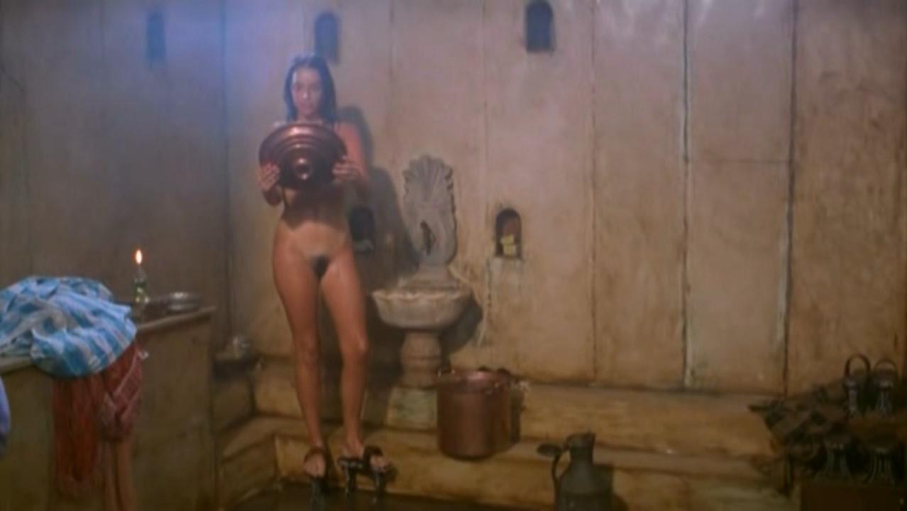 Beatriz Rico nude - Istanbul Kanatlarimin Altinda (1996)