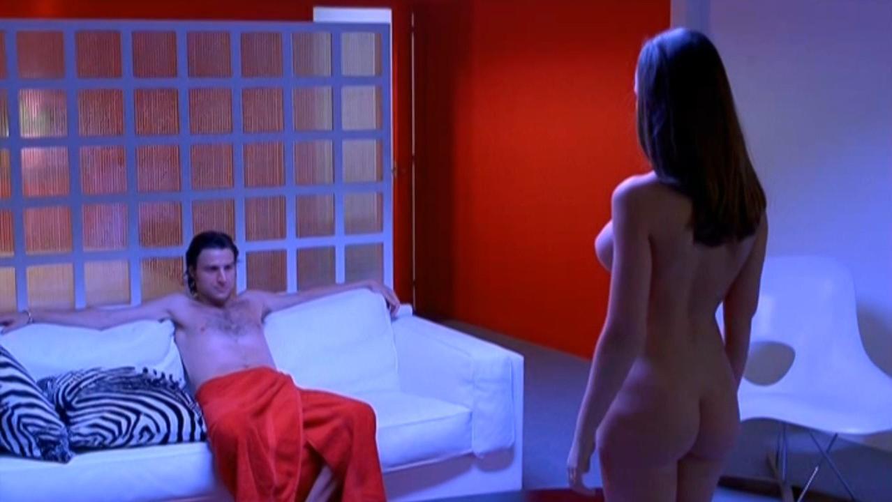 Susana Segorbe nude - Cosa de brujas (2003)