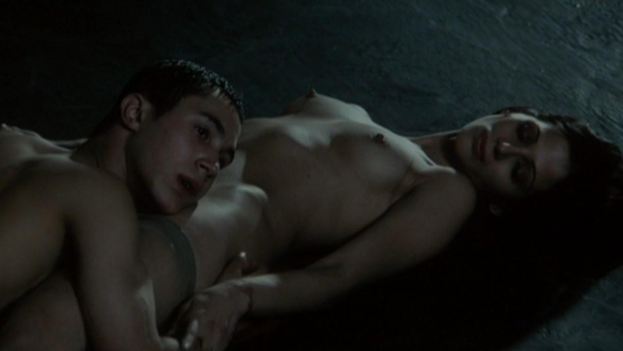 Elisabetta Rocchetti nude - Keller - Teenage Wasteland (2005)