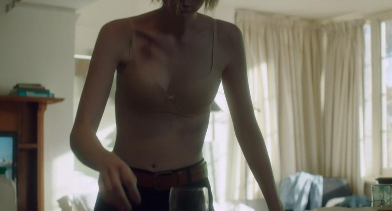 Elizabeth Debicki sexy - The Kettering Incident s01e01-04 (2016)