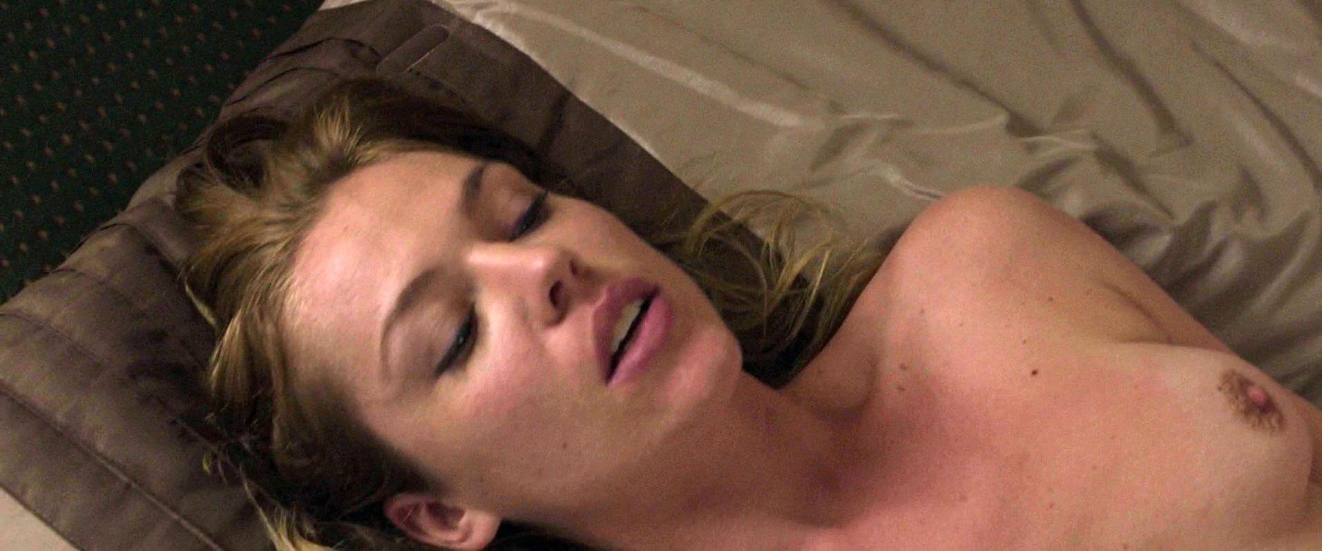 Agnes Bruckner nude - There Is a New World Somewhere (2015)