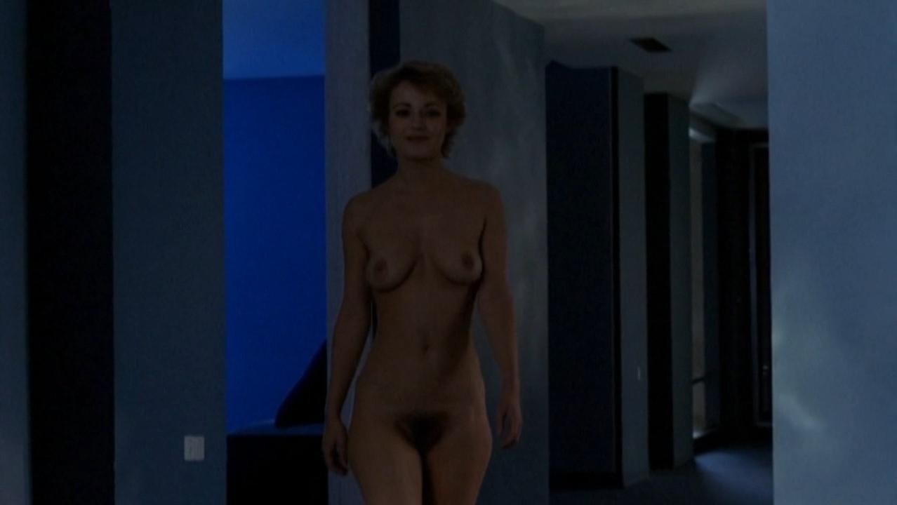 Fanny Cottencon nude - Paradis pour tous (1982)
