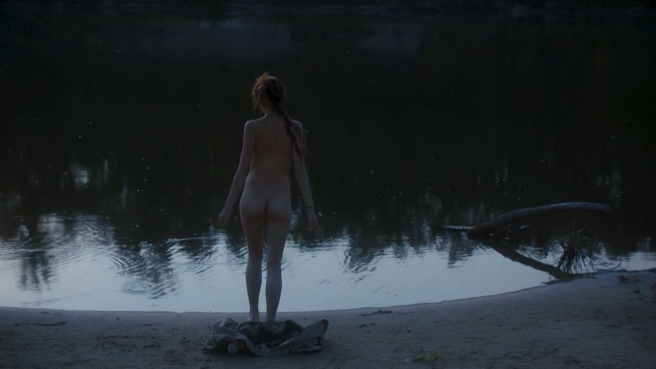 Anna Mahlina nude, Anastasiya Mikitenko nude - Defile (2O16)