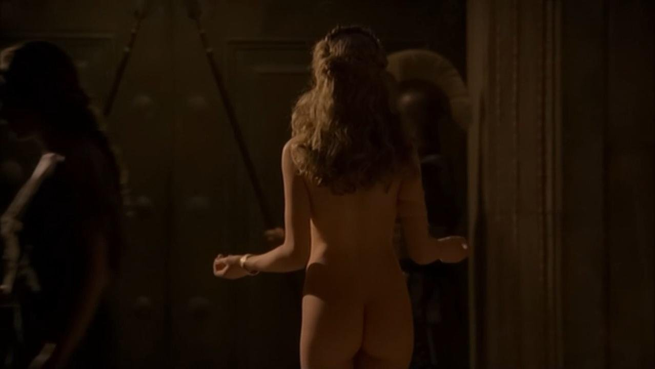 pics Sienna guillory tits