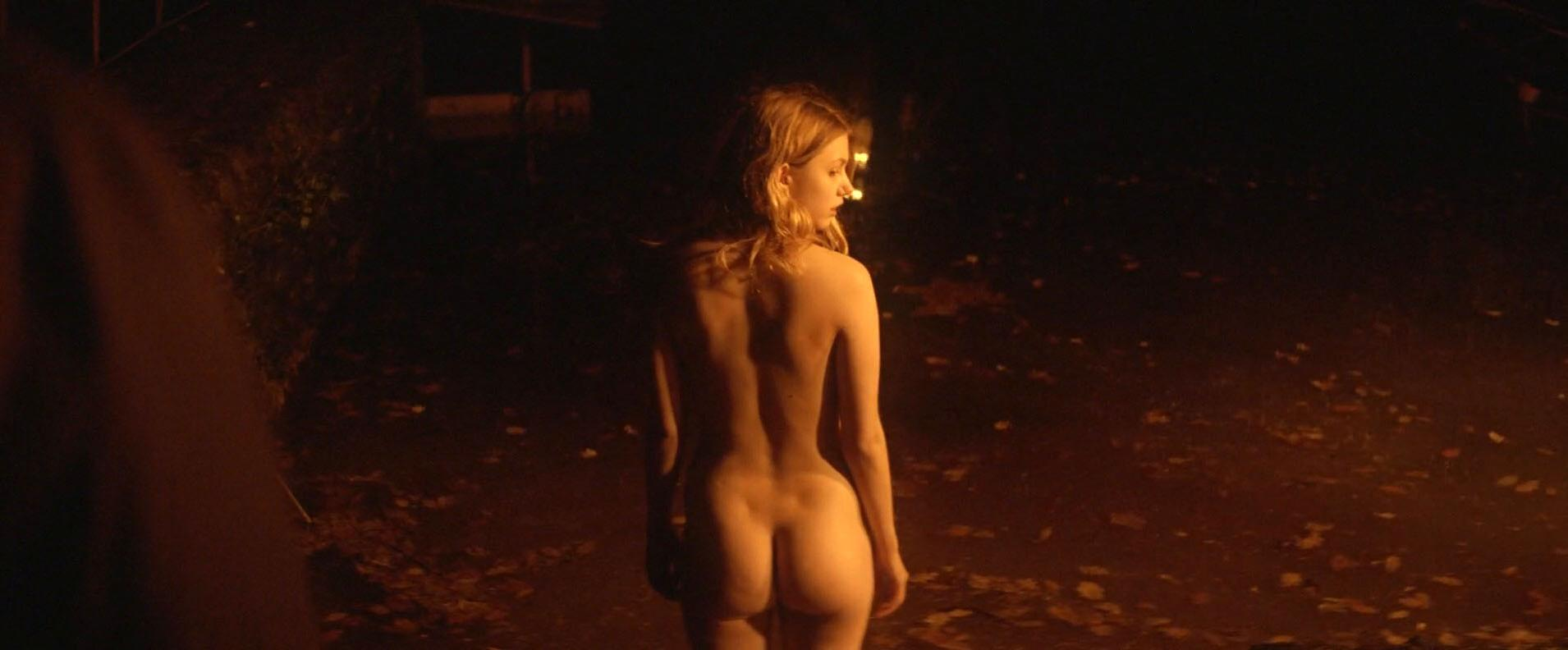 Hannah Murray nude, Elinor Crawley nude - Bridgend (2015)