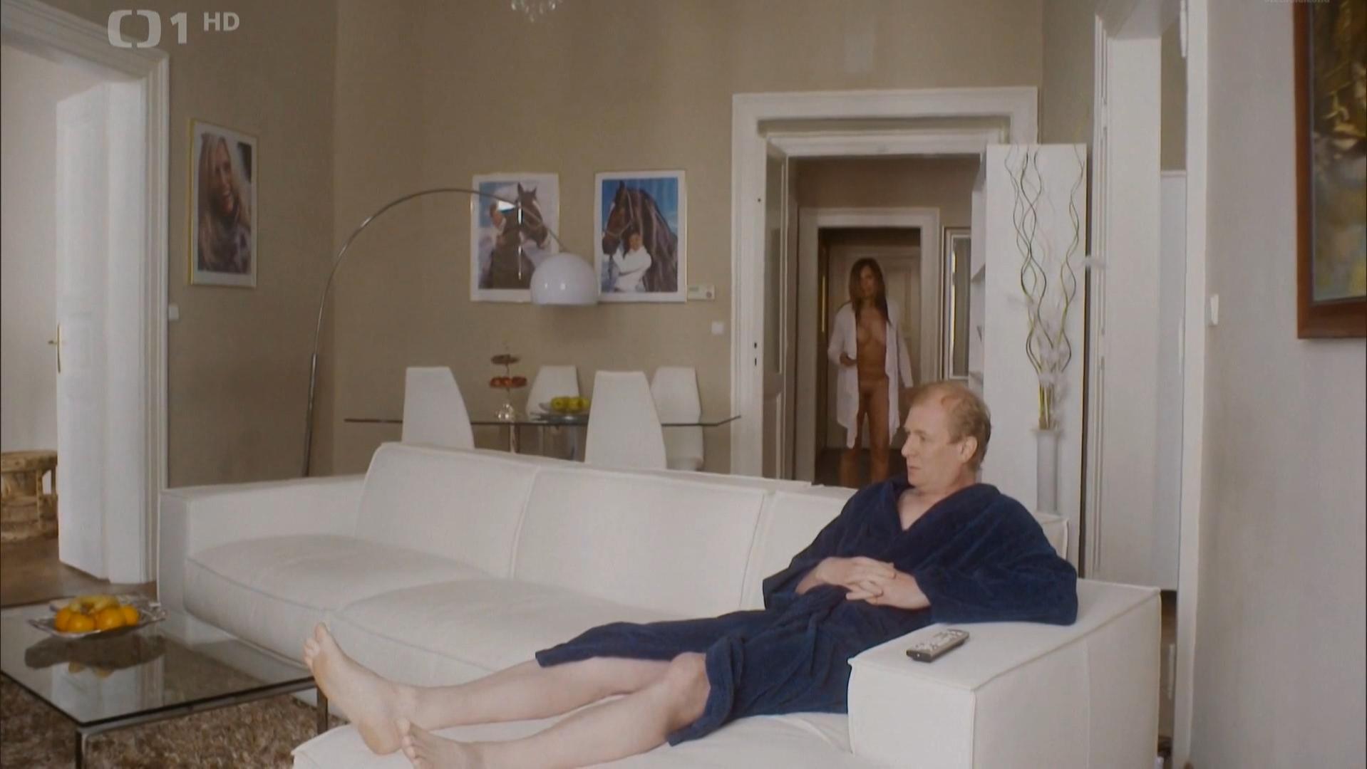 Eva Jenickova nude, Tereza Voriskova nude - Modre Stiny s01e03 (2016)