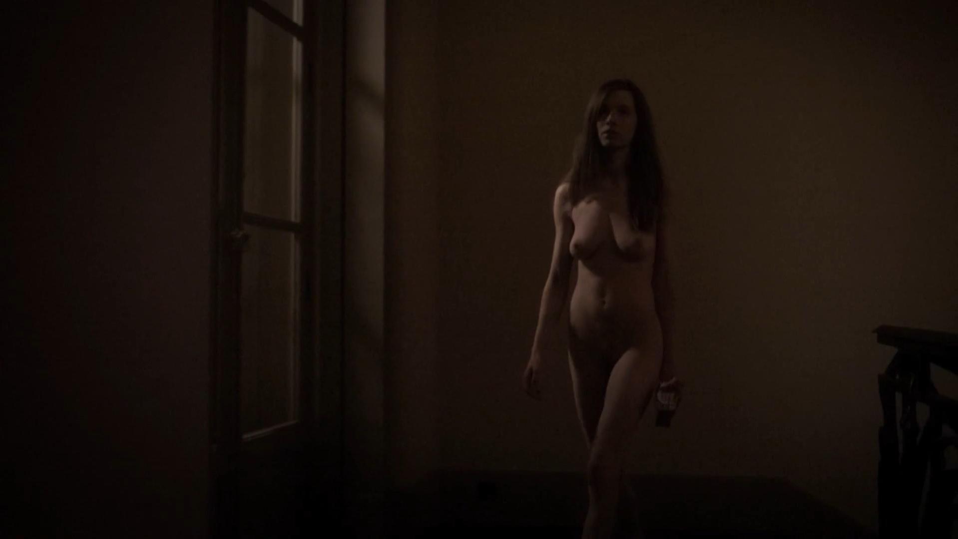 Sarah Forveille nude - Gradiva (2014)