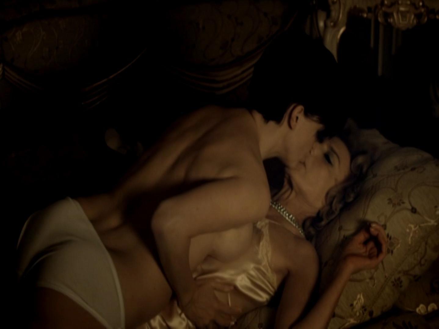 Marisa Paredes nude, Arly Jover nude, Lou Doillon sexy - Gigola (2010)