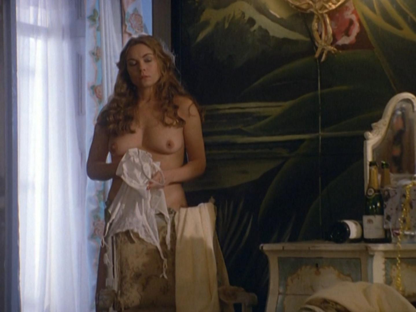 Theresa Russell nude - Hotel Paradise (1995)
