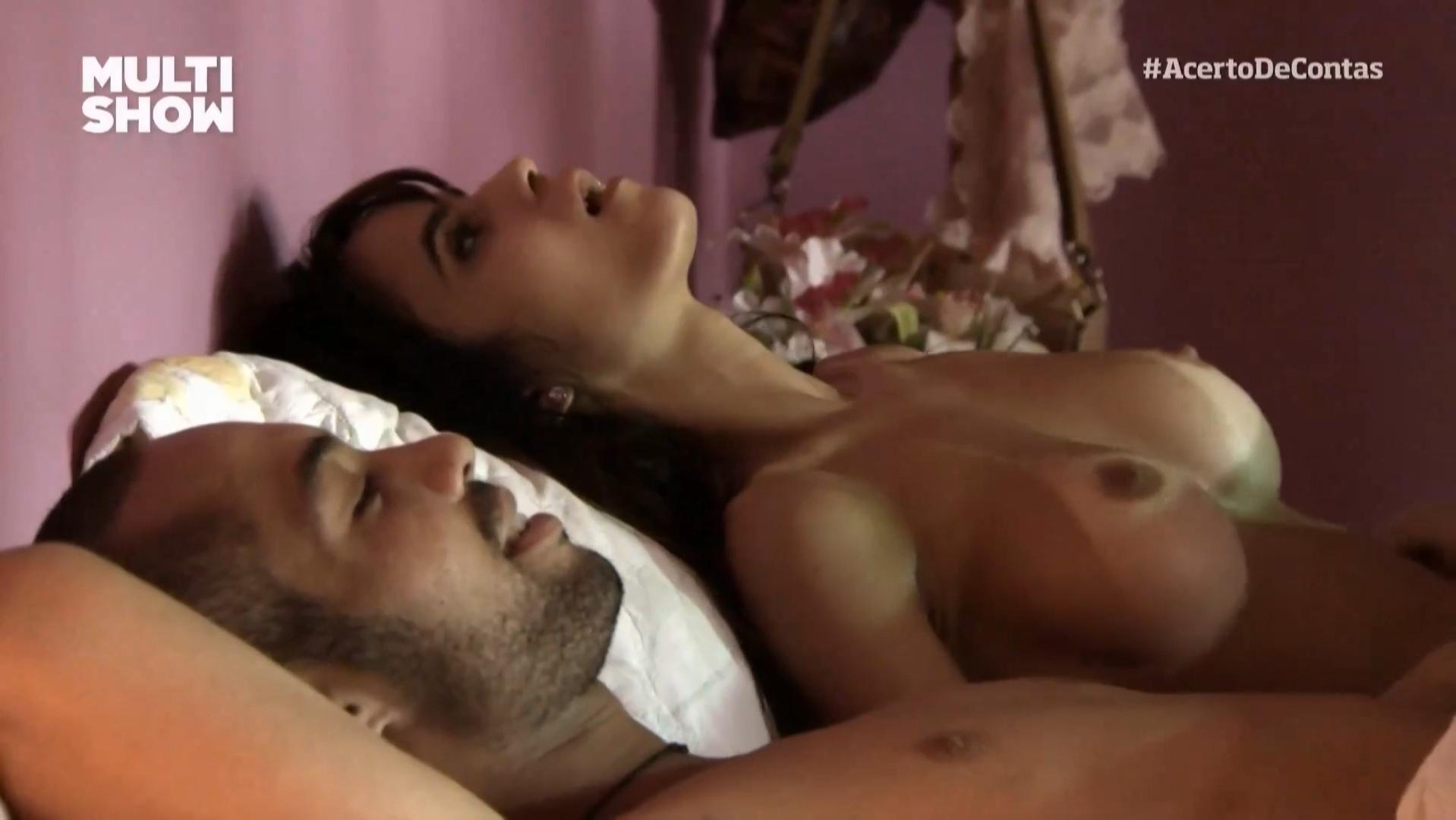 Brendha Haddad nude - Acerto De Contas (2014)