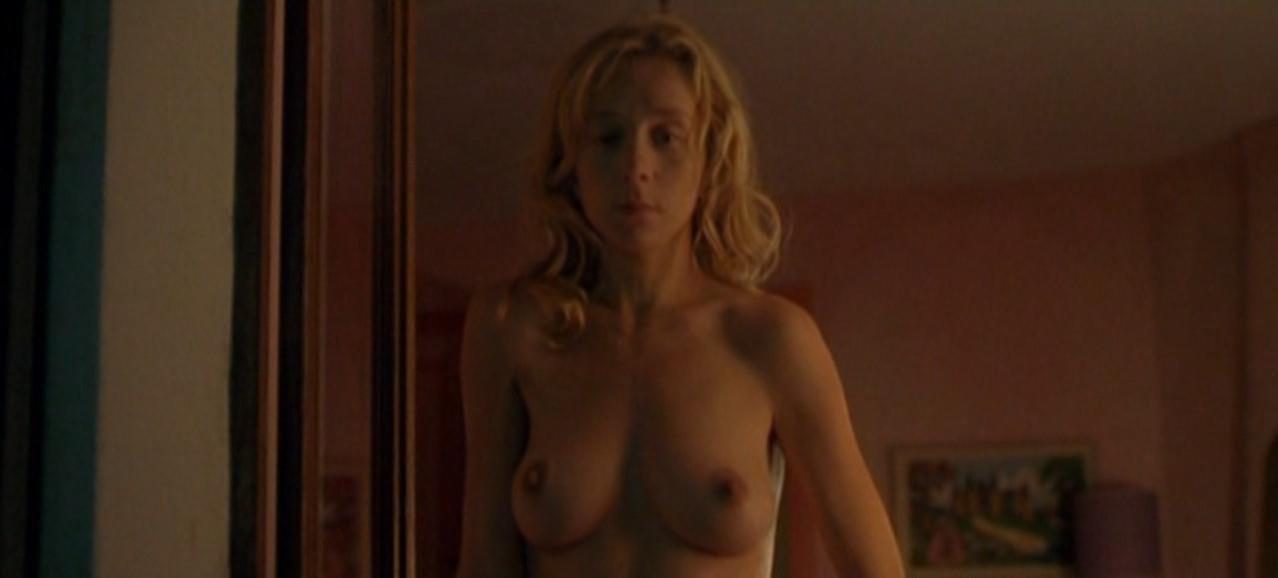 Sylvie Testud nude - La vie est a nous! (2005)