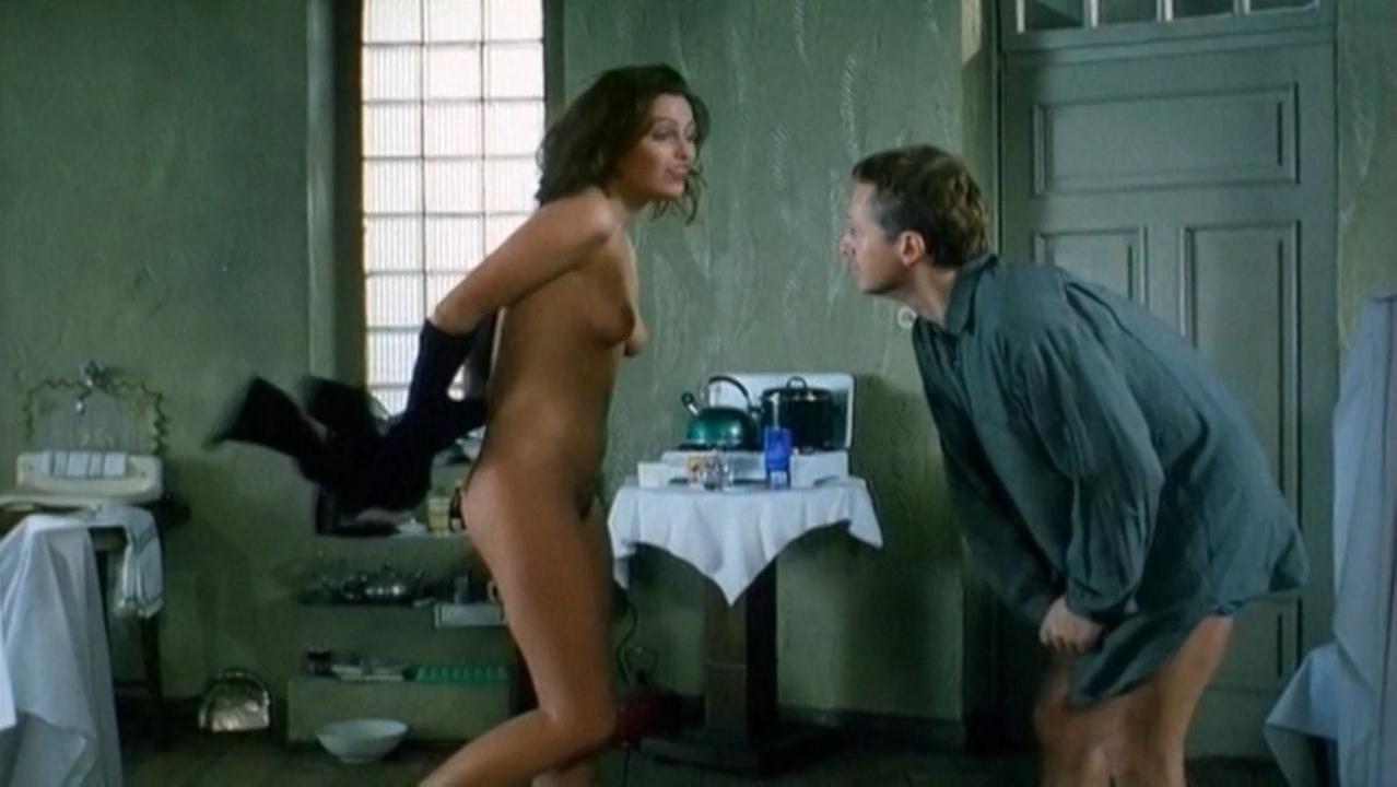 Iwona Petry nude - Szamanka (1996)