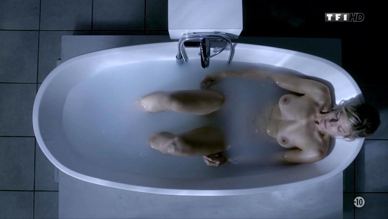 Alexia Barlier nude - Falco s04e05 (2016)