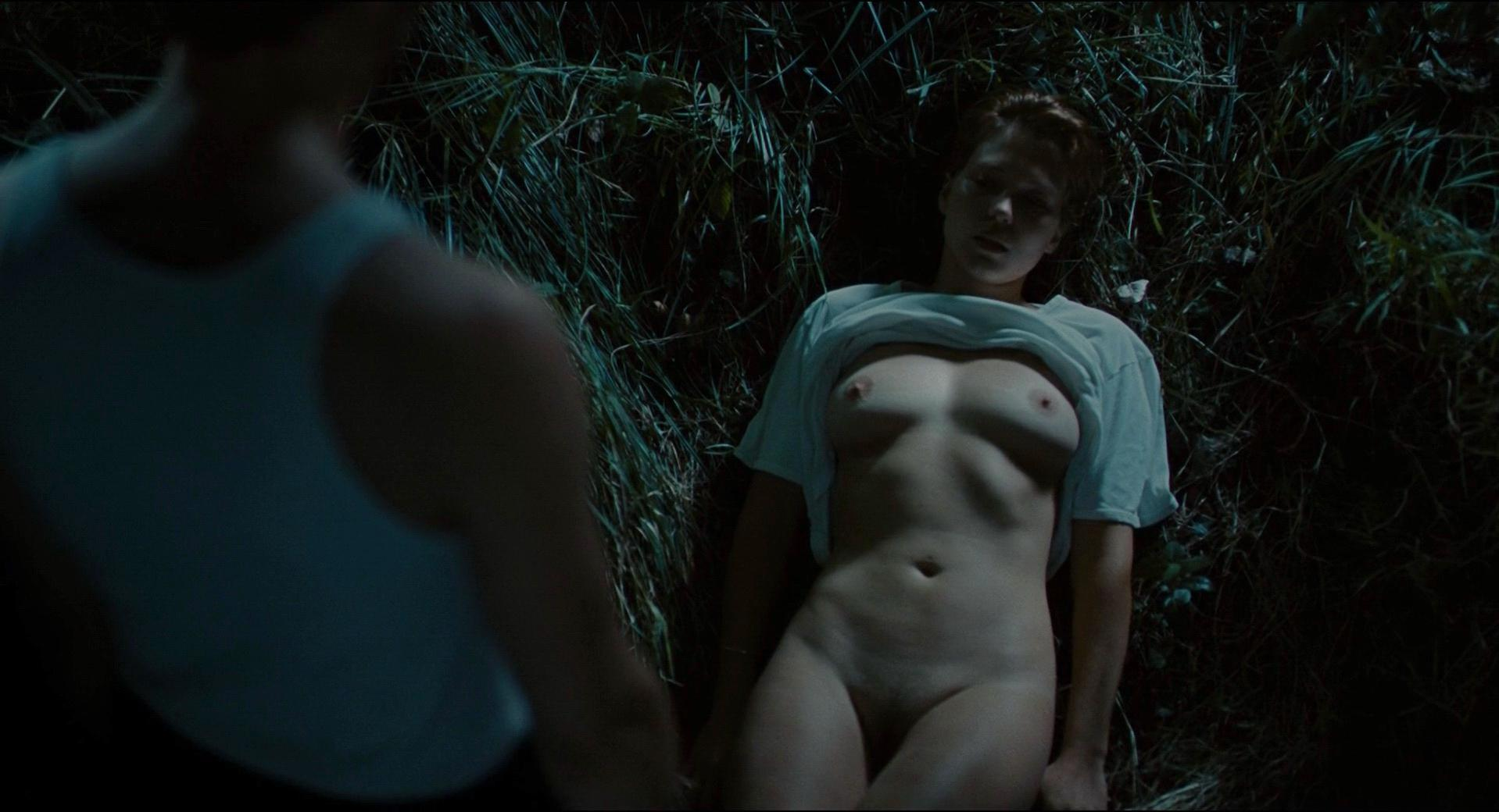 Lea Seydoux nude - Grand Central (2013)