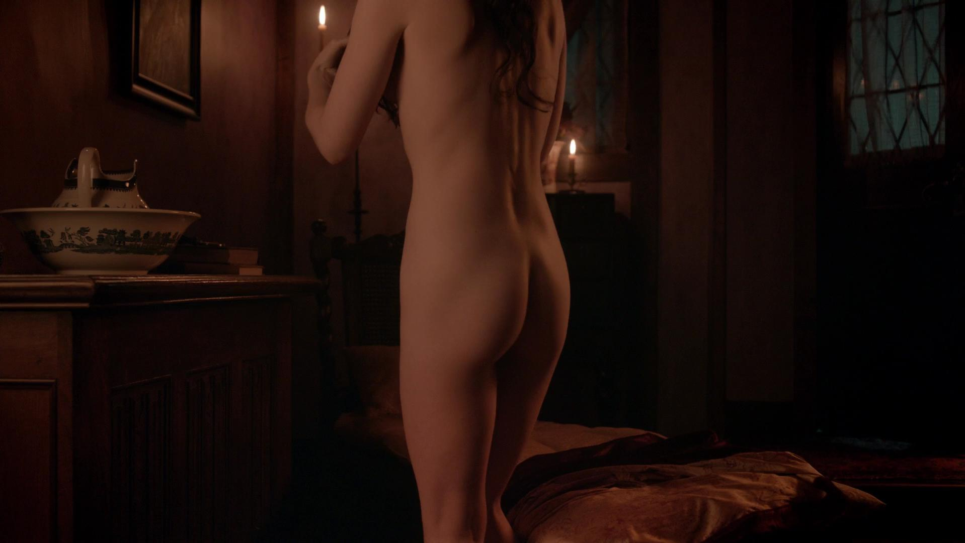 Janet Montgomery nude, Azure Parsons nude - Salem s01e01 (2014)